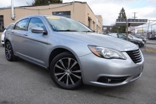 2013 Chrysler 200 for sale in Huntingdon Vally, PA