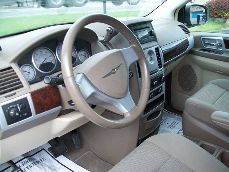 2009 Chrysler Town and Country Touring Mini-Van 4dr - Roaring Spring PA