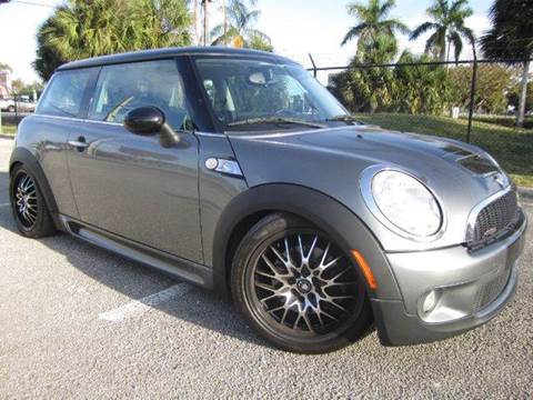 2007 MINI Cooper for sale at Rosa's Auto Sales in Miami FL