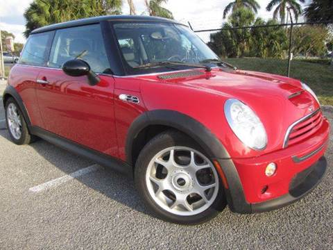 2006 MINI Cooper for sale at Rosa's Auto Sales in Miami FL