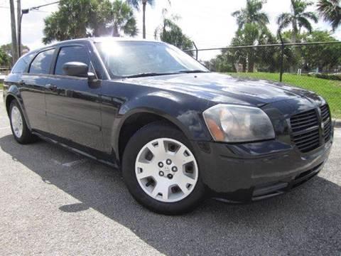 2006 Dodge Magnum for sale at Rosa's Auto Sales in Miami FL