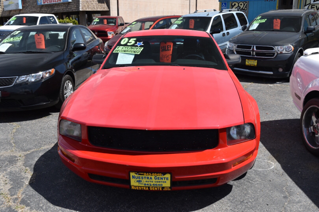2005 ford mustang v6 deluxe 2dr coupe in victorville ca nuestra gente auto center. Black Bedroom Furniture Sets. Home Design Ideas