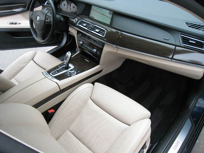 2011 bmw 750i xdrive awd