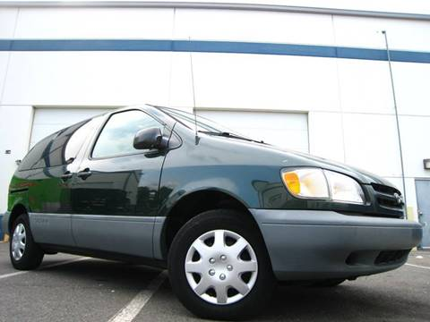 2000 Toyota Sienna for sale at Chantilly Auto Sales in Chantilly VA