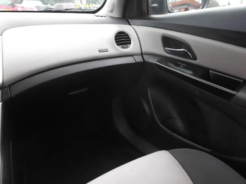 2014 Chevrolet Cruze LS Auto 4dr Sedan w/1SB - Dearborn Heights MI