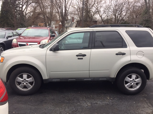 2009 Ford Escape XLT 4dr SUV V6 - Dearborn Heights MI