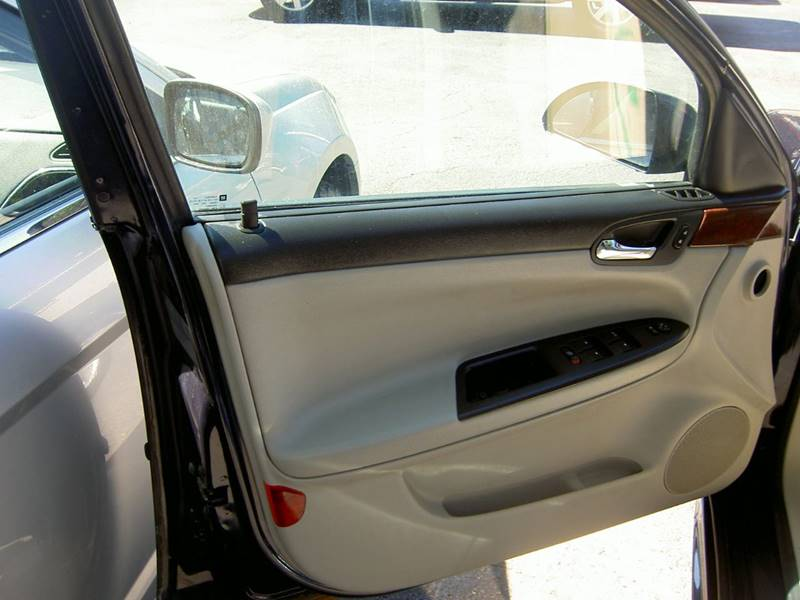 2009 Chevrolet Impala LT 4dr Sedan - Dearborn Heights MI