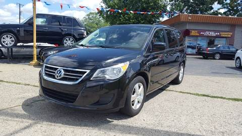 2009 Volkswagen Routan for sale in Dearborn Heights, MI