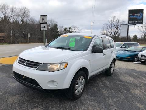2007 Mitsubishi Outlander for sale at Hwy 13 Motors in Wisconsin Dells WI