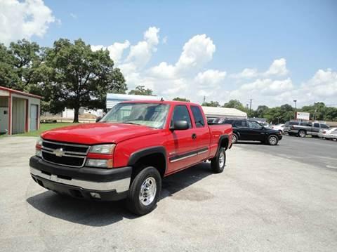 2006 Chevrolet Silverado 2500HD for sale at Preferred Auto Sales in Tyler TX