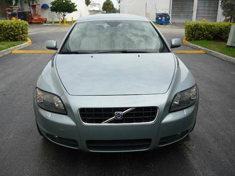 2006 Volvo C70 for sale at INTERNATIONAL AUTO BROKERS INC in Hollywood FL