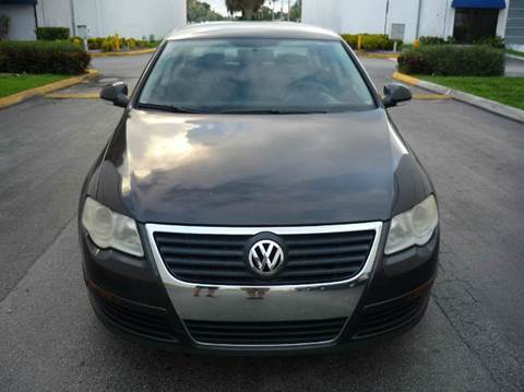 2008 Volkswagen Passat for sale at INTERNATIONAL AUTO BROKERS INC in Hollywood FL