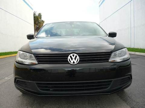 2012 Volkswagen Jetta for sale at INTERNATIONAL AUTO BROKERS INC in Hollywood FL