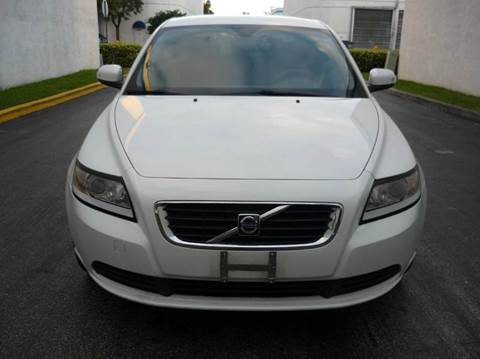 2008 Volvo S40 for sale at INTERNATIONAL AUTO BROKERS INC in Hollywood FL