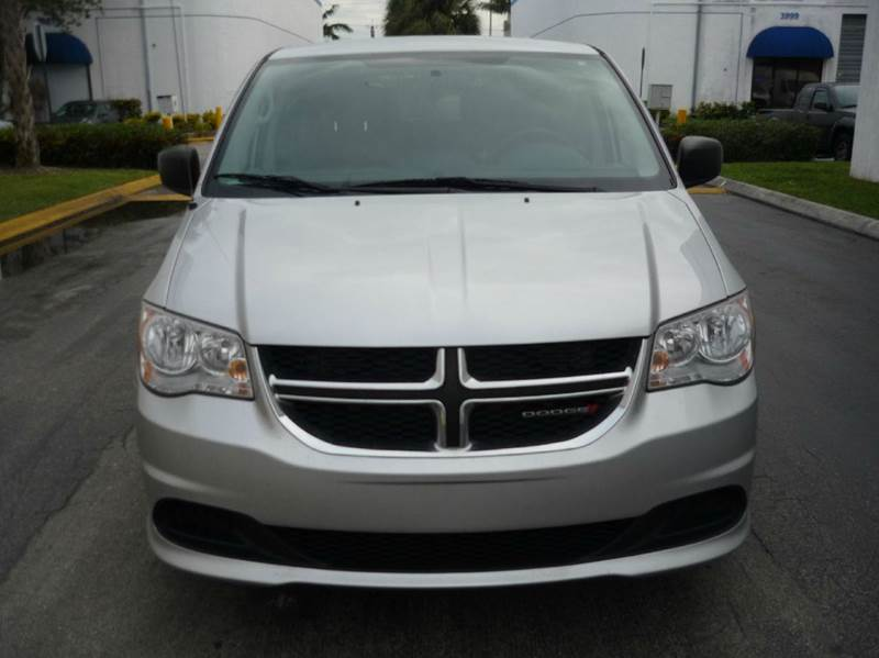 2012 Dodge Grand Caravan for sale at INTERNATIONAL AUTO BROKERS INC in Hollywood FL