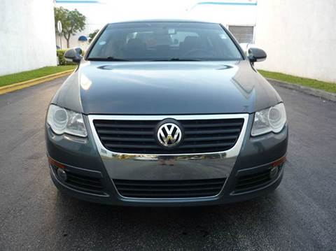 2010 Volkswagen Passat for sale at INTERNATIONAL AUTO BROKERS INC in Hollywood FL