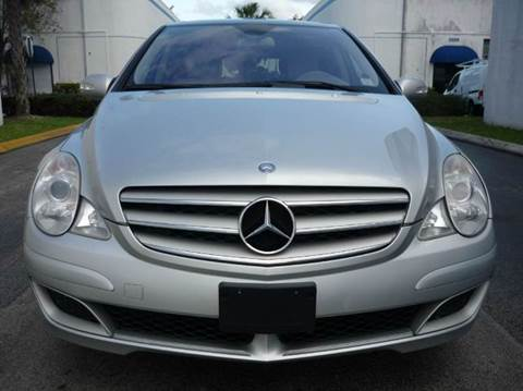 2007 Mercedes-Benz R-Class for sale at INTERNATIONAL AUTO BROKERS INC in Hollywood FL