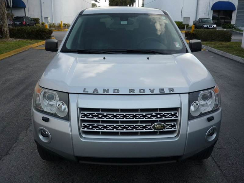 2008 Land Rover LR2 for sale at INTERNATIONAL AUTO BROKERS INC in Hollywood FL