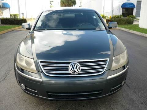 2004 Volkswagen Phaeton for sale at INTERNATIONAL AUTO BROKERS INC in Hollywood FL