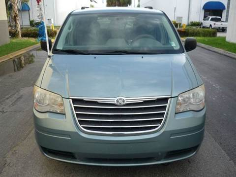 2010 Chrysler Town and Country for sale at INTERNATIONAL AUTO BROKERS INC in Hollywood FL