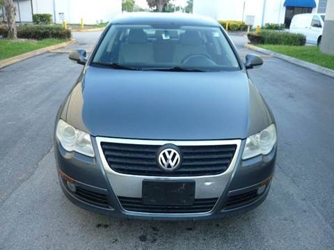 2009 Volkswagen Passat for sale at INTERNATIONAL AUTO BROKERS INC in Hollywood FL