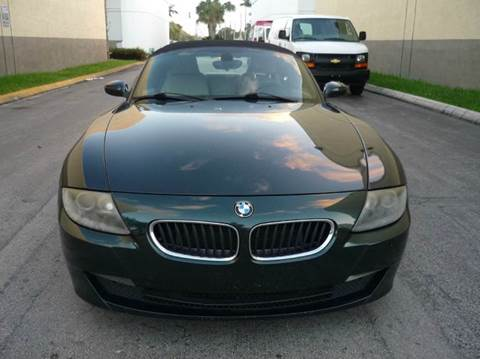 2006 BMW Z4 for sale at INTERNATIONAL AUTO BROKERS INC in Hollywood FL