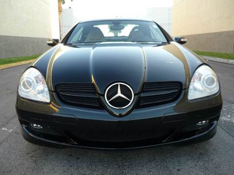 2006 Mercedes-Benz SLK for sale at INTERNATIONAL AUTO BROKERS INC in Hollywood FL