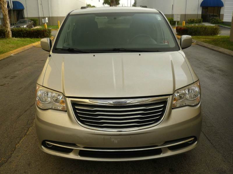 2011 Chrysler Town and Country for sale at INTERNATIONAL AUTO BROKERS INC in Hollywood FL