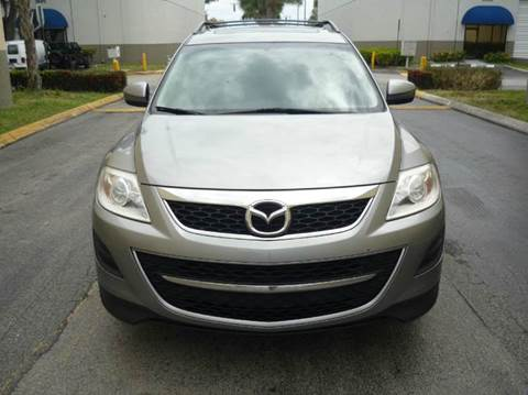 2010 Mazda CX-9 for sale at INTERNATIONAL AUTO BROKERS INC in Hollywood FL