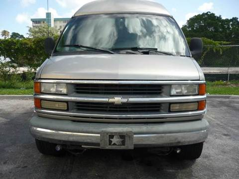 2002 Chevrolet Express Passenger for sale at INTERNATIONAL AUTO BROKERS INC in Hollywood FL