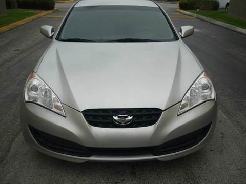 2010 Hyundai Genesis Coupe for sale at INTERNATIONAL AUTO BROKERS INC in Hollywood FL