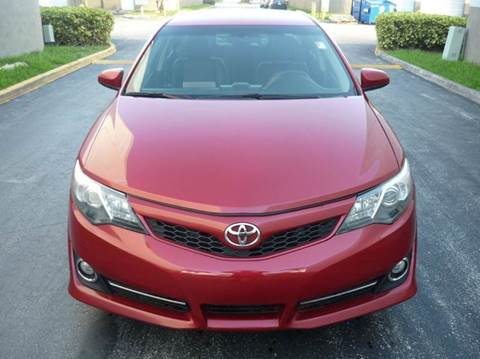 2013 Toyota Camry for sale at INTERNATIONAL AUTO BROKERS INC in Hollywood FL