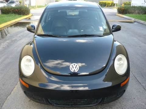 2010 Volkswagen New Beetle for sale at INTERNATIONAL AUTO BROKERS INC in Hollywood FL