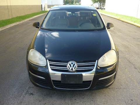 2005 Volkswagen Jetta for sale at INTERNATIONAL AUTO BROKERS INC in Hollywood FL