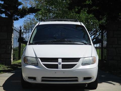 2005 Dodge Caravan for sale at Blue Ridge Auto Outlet in Kansas City MO