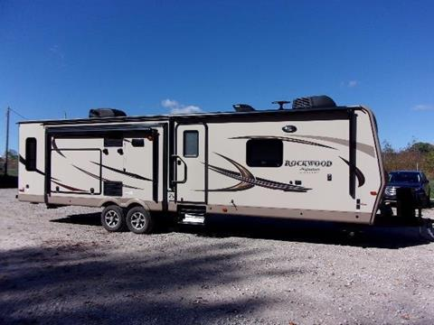 2017 Rockwood Signature Ultra Lite 8328BS for sale in Spencer, IN