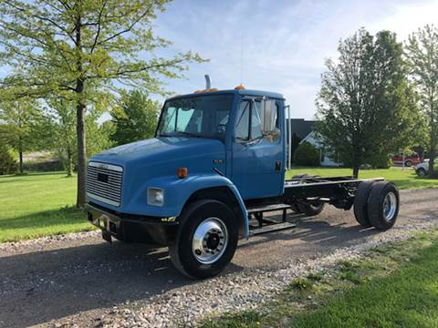 2001 Freightliner FL 70 for sale in New Bloomfield, MO
