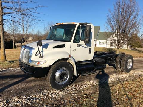 2004 International 4300 for sale in New Bloomfield, MO