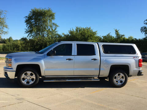 2014 Chevrolet Silverado 1500 for sale at LANDMARK OF TAYLORVILLE in Taylorville IL