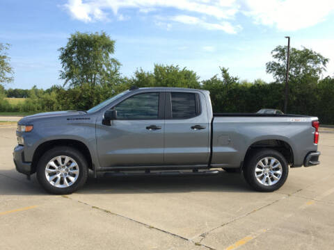 2020 Chevrolet Silverado 1500 for sale at LANDMARK OF TAYLORVILLE in Taylorville IL
