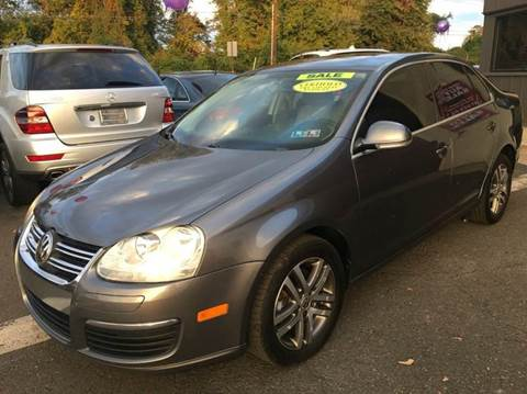 2006 Volkswagen Jetta for sale at Luxury Unlimited Auto Sales Inc. in Trevose PA