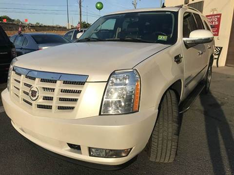 2007 Cadillac Escalade for sale at Luxury Unlimited Auto Sales Inc. in Trevose PA