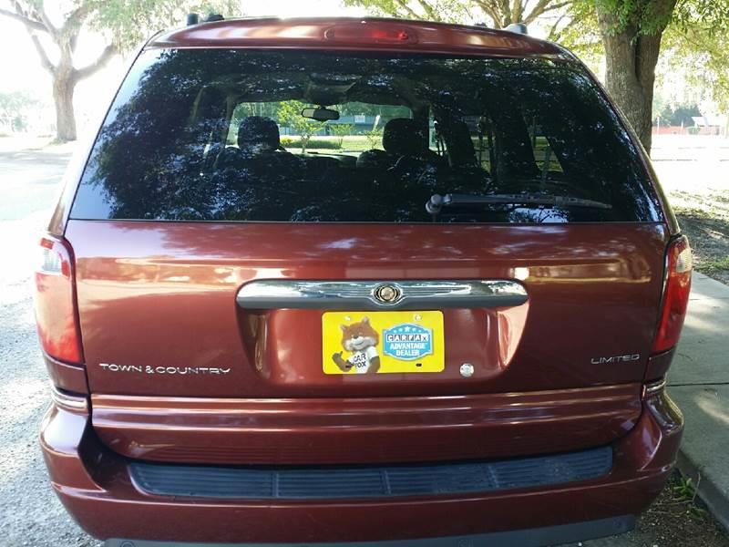 2007 Chrysler Town and Country Limited 4dr Extended Mini-Van - Tampa FL