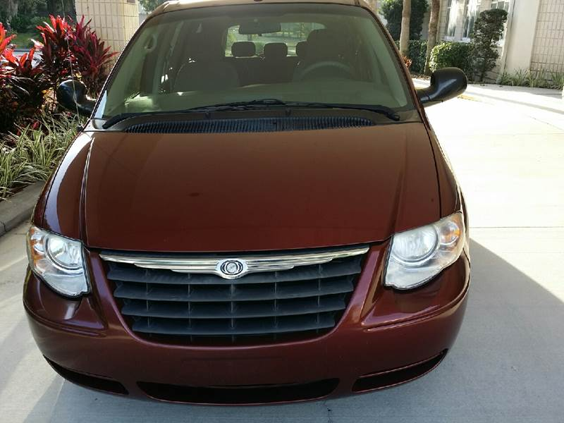 2007 Chrysler Town and Country LX 4dr Extended Mini-Van - Tampa FL