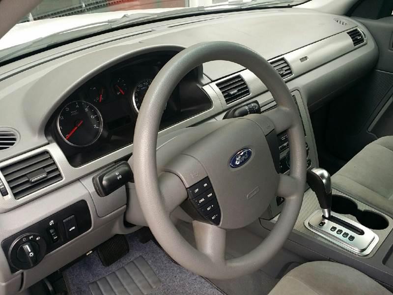 2005 Ford Five Hundred SE 4dr Sedan - Tampa FL