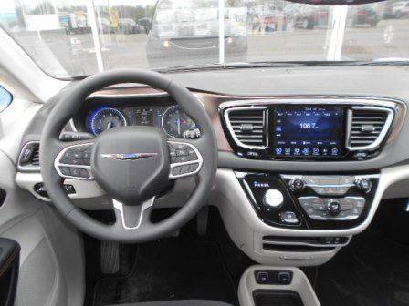 2017 Chrysler Pacifica Touring - Neligh NE