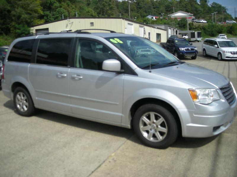 2008 Chrysler Town and Country Touring 4dr Mini-Van - Clarksburg WV