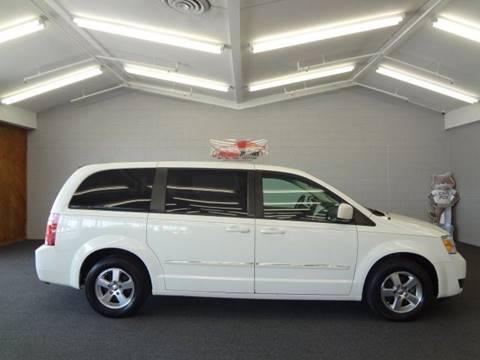 2008 Dodge Grand Caravan for sale at Premium Motors in Villa Park IL