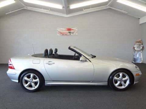 2004 Mercedes-Benz SLK for sale at Premium Motors in Villa Park IL