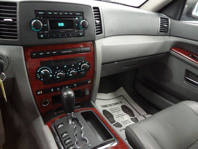 2006 Jeep Grand Cherokee Limited 4dr SUV w/ Front Side Airbags In